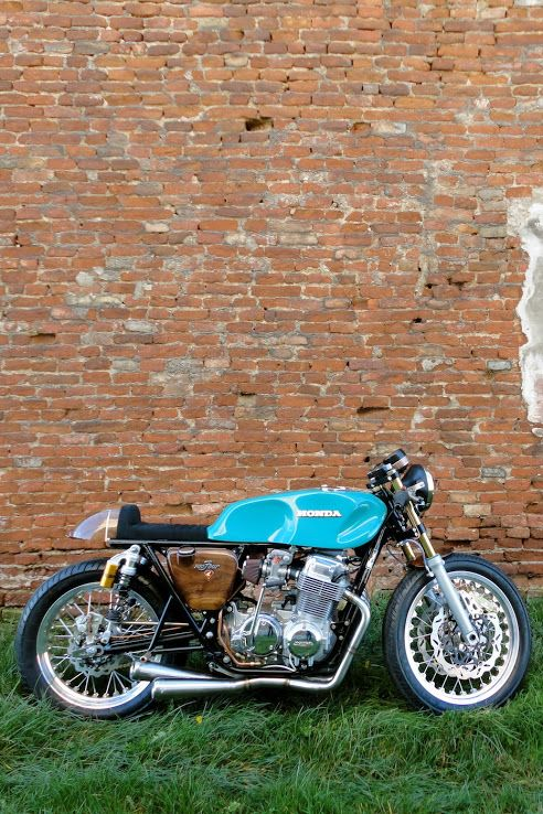 Honda CB 750 Cafe Racer #motos #caferacer #motorcycles | Vintgarage  Look at that tank! What a beaut!