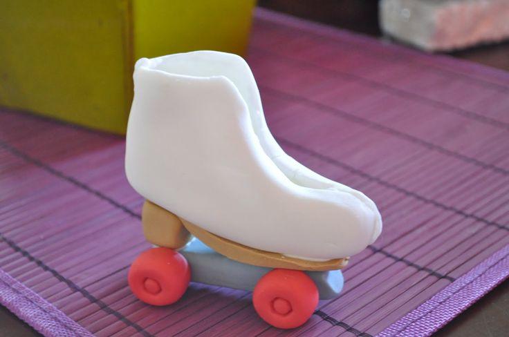 Resultado de imagen para como hacer unos patines en fondant