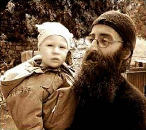 ΟΙ ΑΓΓΕΛΟΙ ΤΟΥ ΦΩΤΟΣ: «Όταν έρχεται ο παππούλης με τον Χριστό, τον βλέπω...