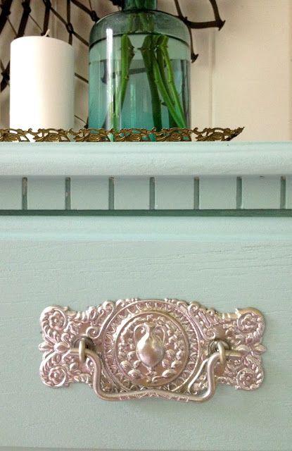 Best 25+ Painting hardware ideas on Pinterest | Painted door knobs ...