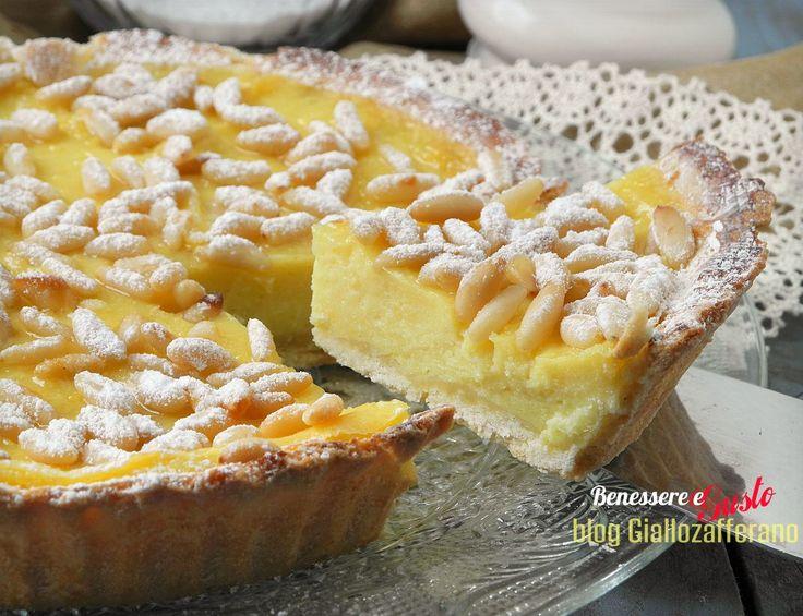 Torta della nonna, ricetta del dolce tradizionale toscano a base di pasta frolla, crema pasticcera e pinoli. Ricetta facile un dolce gustoso e genuino