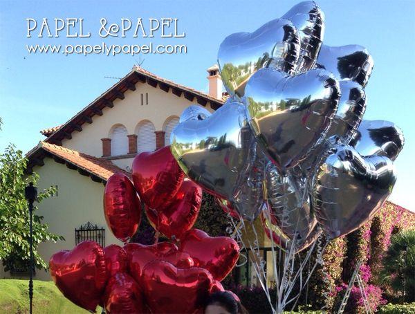 globos rojo y plata para decorar la discoteca