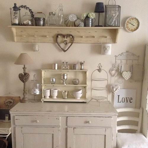 ...Buongiorno Shabby friends...  foto ispirazione per una credenza in stile shabby!  Shab | The Best Things in Life aren't Things  www.shab.it