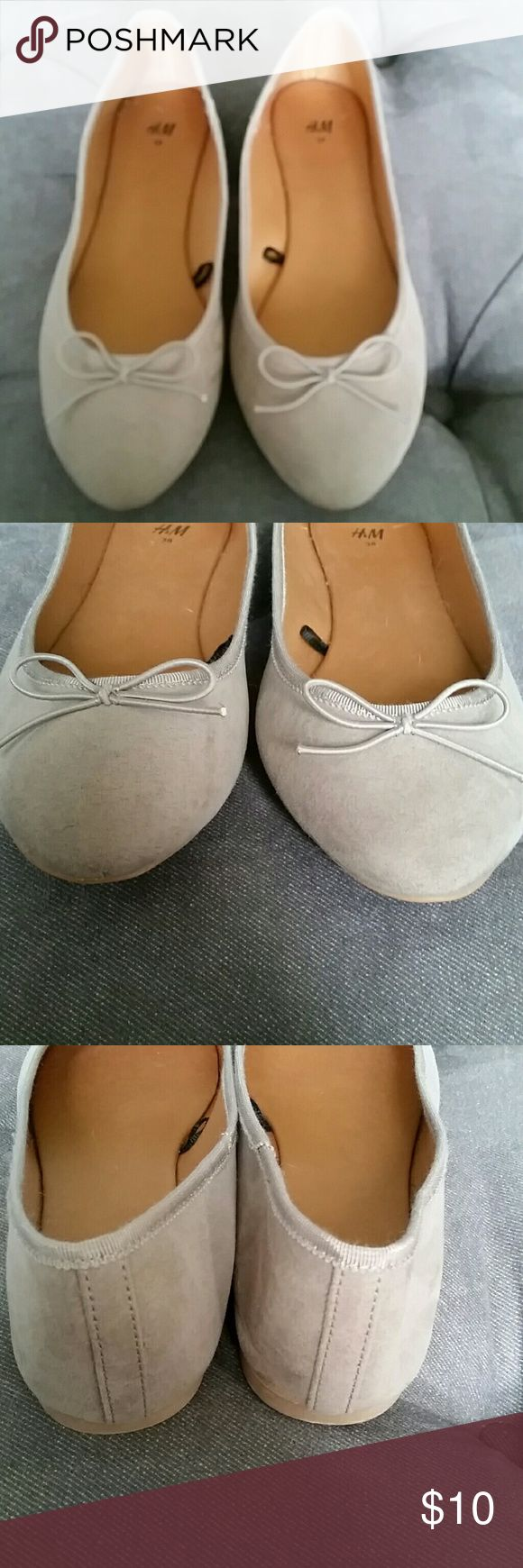 H&M neutral ballet flats size 8 Neutral greige faux suede ballet flats from H&M. Nearly new, only wear is to out sole. Size 8 H&M Shoes Flats & Loafers