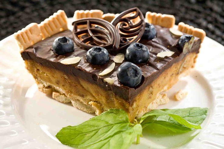 Tarta czekoladowa z borówkami. #tarta #czekoladowa #tartaczekoladowa #borowki #smacznastrona #deser #chocolate #food