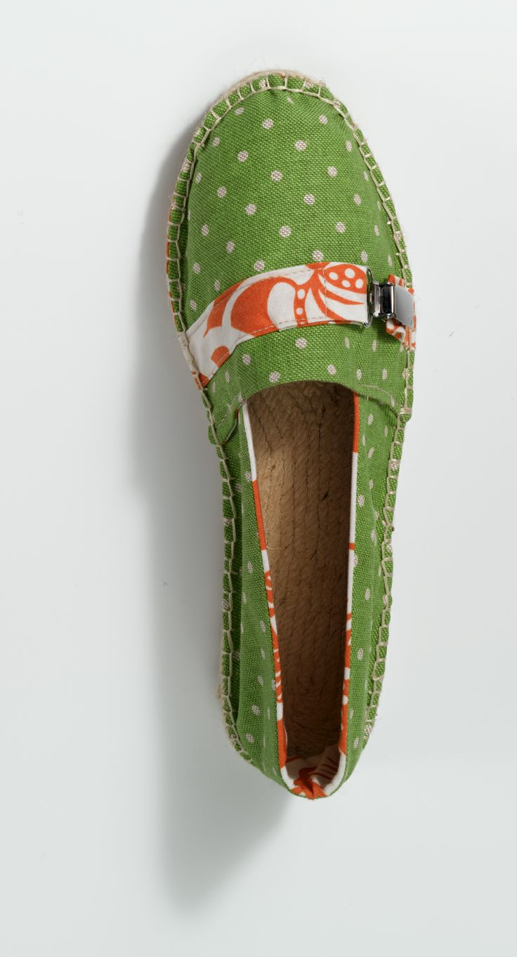 Espadrilles with dots, for more inspiration click here: http://www.prymyourstyle.com/index_gb.html