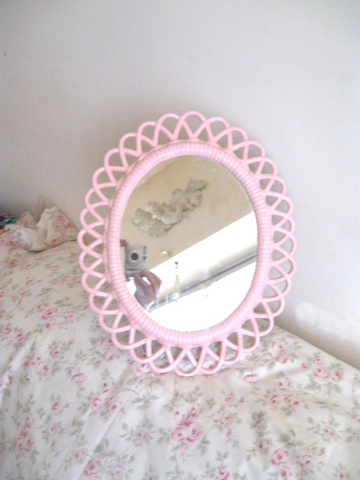 57 best shabby chic mirrors images on pinterest shabby. Black Bedroom Furniture Sets. Home Design Ideas