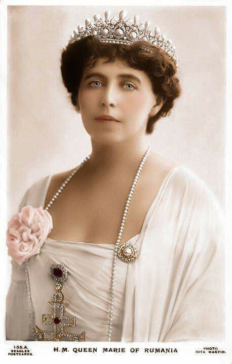 QUEEN MARIE OF ROMANIA ~ Born an English woman, Princess Marie of Edinburgh, granddaughter of Tsar Alexander II on her mother's side, first cousin of Empress Alexandra Feodorovna on her father's side. She is known for her extravagant jewelry collection.