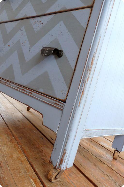 DIY: Distressed furniture; Chevron pattern