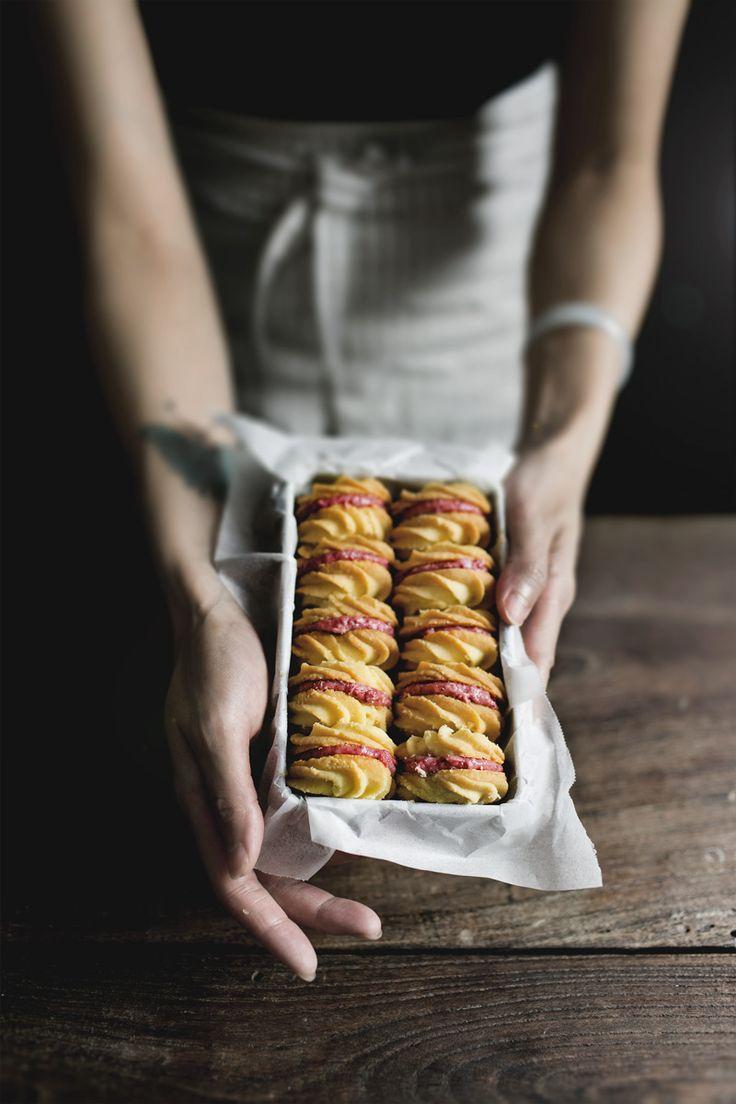Cranberry Viennese Sandwich Creams