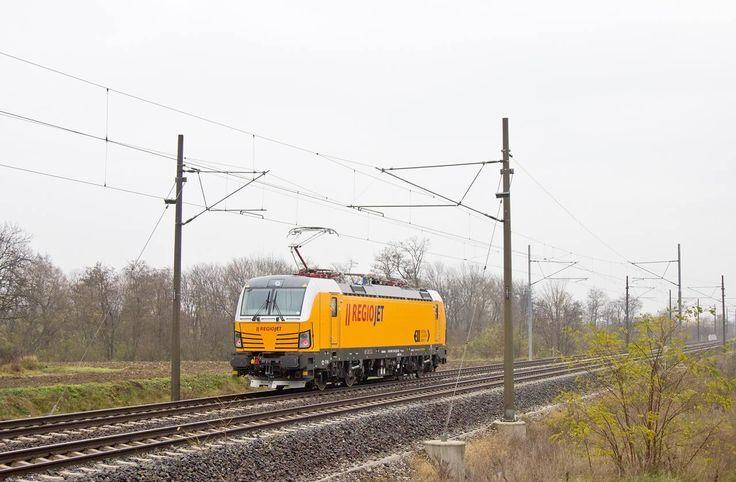 Test de conduite d'une locomotive ' 'Garfield' 214 ' 193 vues ELL me:) / ChuckTraduit par Bing