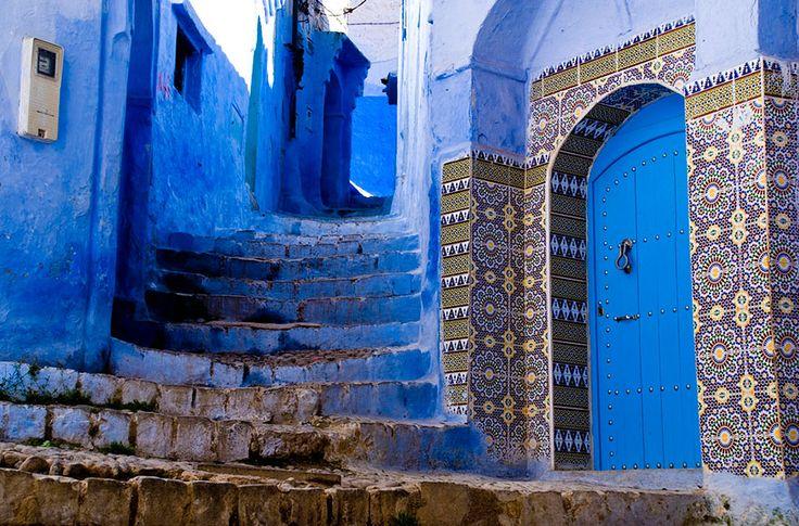 Chefchaouenis een klein Middeleeuws stadje in het Noordwesten van Marokko, genesteld in het Rif-gebergte net ten zuiden van Tangier.