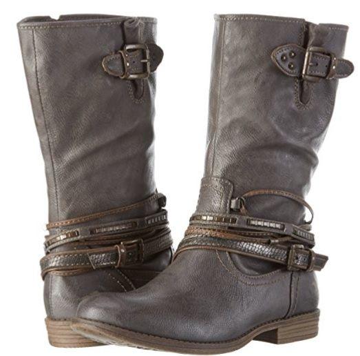 Bota Plana Mustang gris #Botas #Calzado #Moda #Mujer #AmazonModa #Outfit #BotasMujer #BotinesMujer #Fashion #ModaotoñoInvierno