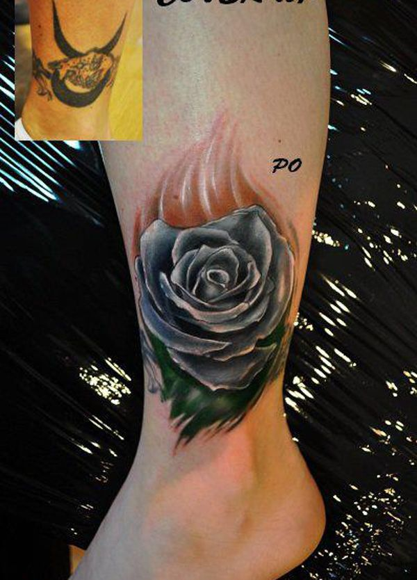 Rose cover up tattoo - Roses are rather simple but with some coloring techniques, it would be great to the eyes and also, a great way to cover an old tattoo with around the same size and shape as it is.
