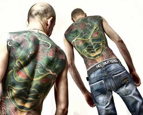 """lungaale  #casttattoo  In redazione stanno arrivando tantissime foto di tatuaggi con storie bellissime.  Grazie a tutti e continuate così!  Ecco il tatuaggio di """"lungaale"""".  """" Il tatuaggio non è dedicato a nessuno, ma è un percorso della mia vita che è stato reso possibile grazie all'armonia che ho trovato con il mio tatuatore: è arte, ogni tatuaggio che ho è un'esperienza interiore unica. """"  http://tattoo.codcast.it/"""
