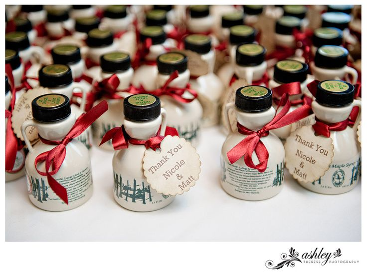 Maple Syrup Favors from a Lake Placid Wedding   photo by www.ashleythereseblog.com