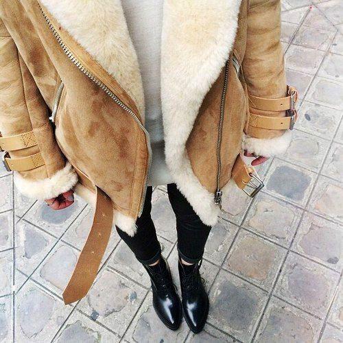 Yes, laat de winter maar komen, wij zijn er in ieder geval klaar voor! Deze Lammy Coat is een super zacht ruimvallend model. Don