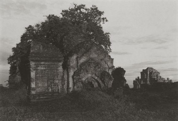 Burma by Kenro Izu