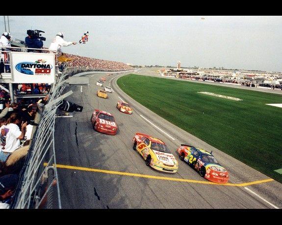 What race tracks has Jeff Gordon not won at?