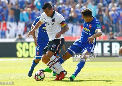 04-08 SANTIAGO, CHILE - APRIL 8: Esteban Paredes of Colo Colo... #pratdecompte: 04-08 SANTIAGO, CHILE - APRIL 8: Esteban… #pratdecompte