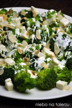 niebo na talerzu: Sałatka z brokułami i serem feta