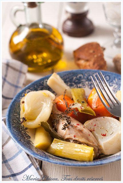 Poule-au-pot un peu « revisitée »,    Lentement cuite à basse température dans son propre jus à l'ECOVITAM (Warmcook) -> 174,50 euros le faitout 24 cm, 6 pers. (!!!!!!!!!)
