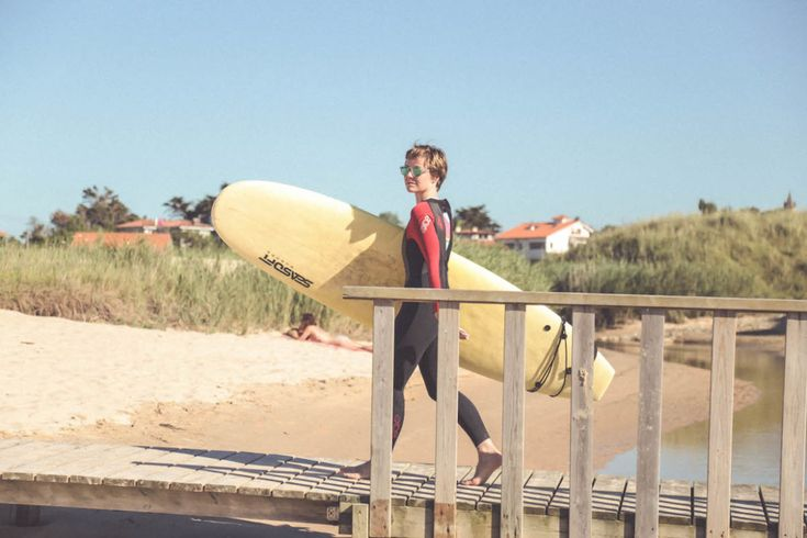 surf Escuela de Surf La Curva Loredo Cantabria Spain Oakley