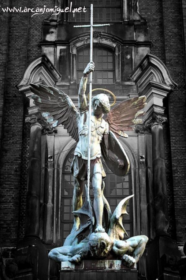 Oração de cura da família - por Ironi Spuldaro - São Miguel Arcanjo