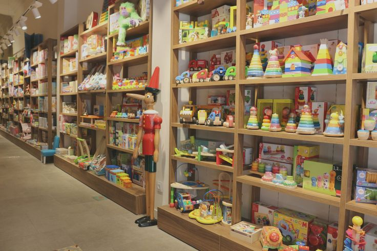 Fabre, una librería y juguetería de toda la vida