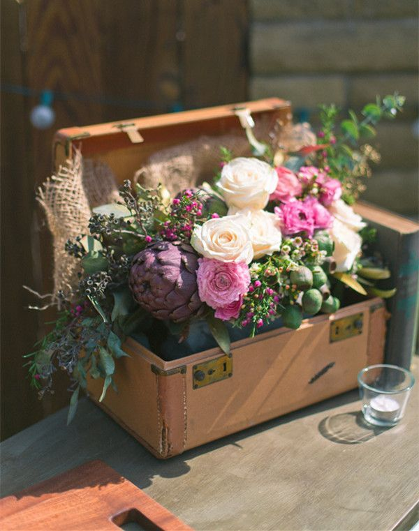 vintage rustic flower decorations for fall wedding ideas #rusticweddings #weddingideas #elegantweddinginvites