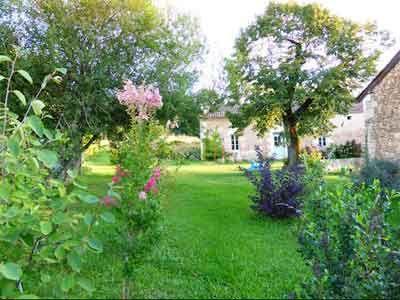 Jardin des Gîtes et Chambres d'Hôtes à vendre près Périgueux et Bergerac en Dordogne
