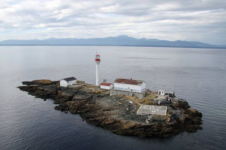To the Lighthouse guidebook beckons explorers to the islands of southwestern B.C.