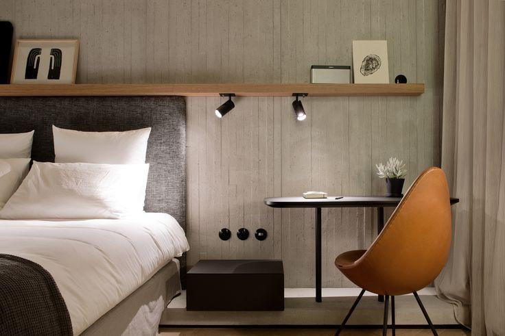 raphael navot / hôtel st-martin, 3ème (architectes: daniel vaniche et associés)