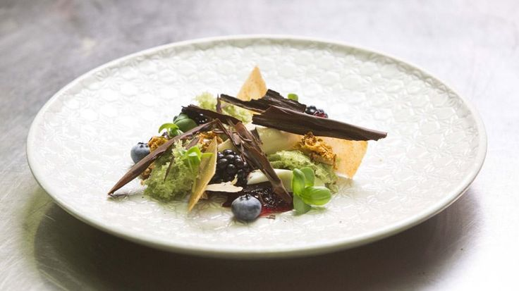 A Country Ramble - Buttermilk, Honey, Almond, Chocolate Bark and Berries