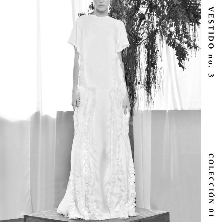 Vestido no. 3  Colección 01  Más de 200 horas de trabajo de deshilado de capas de gasa para lograr la textura de este vestido único. 〰️ #TristaneIsoldaNovias #BrideToBe #Wedding #Inspiration #Mexico #MexicoCity #Bride #Wedding #SavetheDate #Designer