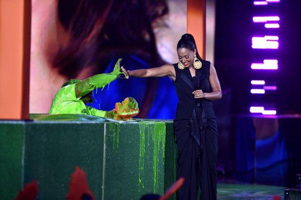 Marshawn Lynch and Tia Mowry Photos - Nickelodeon Kids' Choice Sports Awards Show - Zimbio