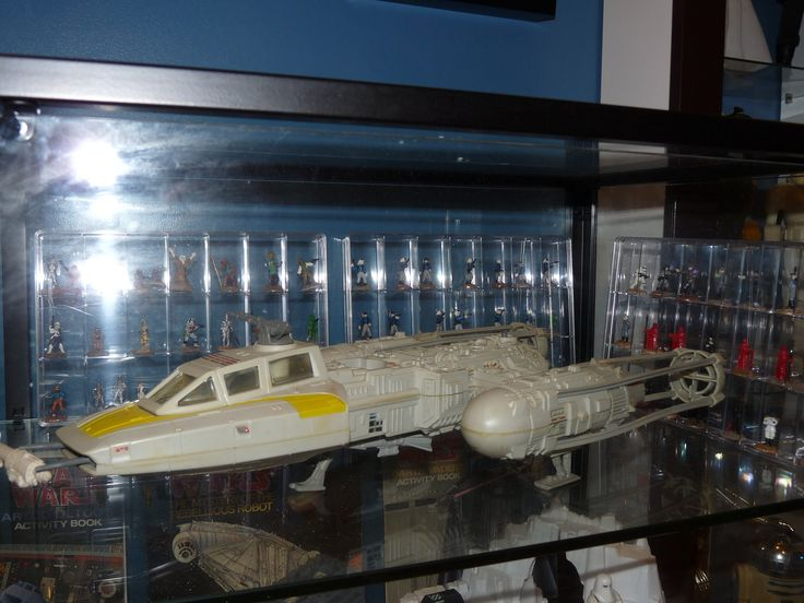 https://flic.kr/p/KHJnMg | Vintage Kenner Star Wars Y-Wing with West End Games Star Wars Miniatures