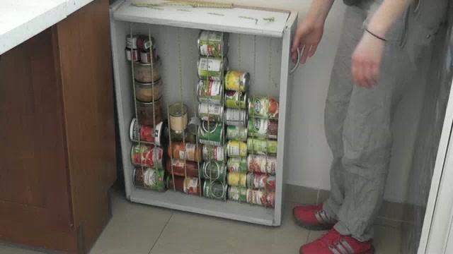 Matchouteam vous montre comment fabriquer vous m me un rangement sp cial boites de conserve pour - Comment faire sa cuisine ...