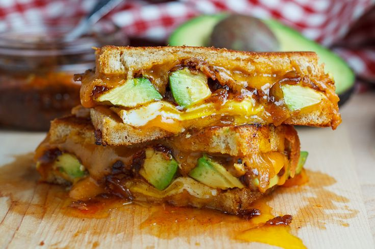 BACON JAM AND AVOCADO GRILLED CHEESE SANDWICH http://www.closetcooking.com/2012/08/bacon-jam-and-avocado-grilled-cheese.html