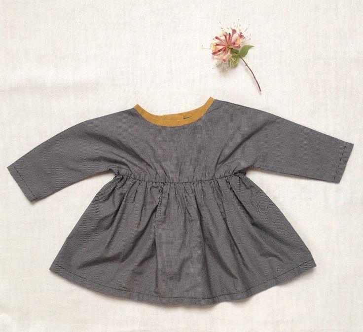 Delphine et Morissette: Les petites blouses trop faciles...