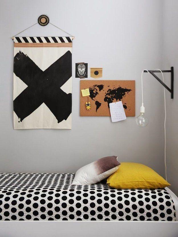 Na falta de espaço, móveis ou verba, considere um abajur suspenso! | 16 jeitos matadores de transformar seu quarto no melhor lugar do mundo