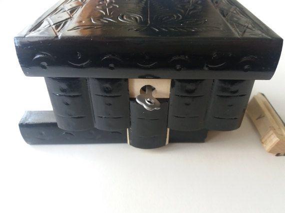 Nieuwe zwarte mooie speciale handgesneden, handgemaakte houten puzzel box, geheime vak, goocheldoos, sieraden doos, brain teaser, opbergdoos, bloem