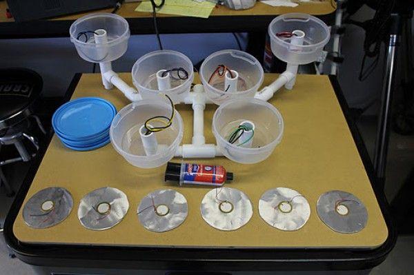 diy-fabriquer-une-batterie-avec-des-boites-en-plastiques-ipad-01