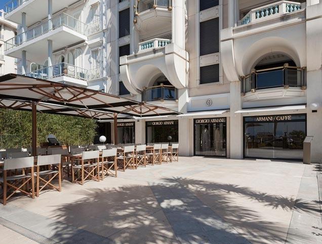 Armani Café/ Boutique es un must al visitar Italia.