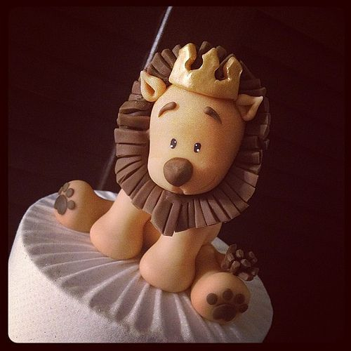 Details: Cake topper
