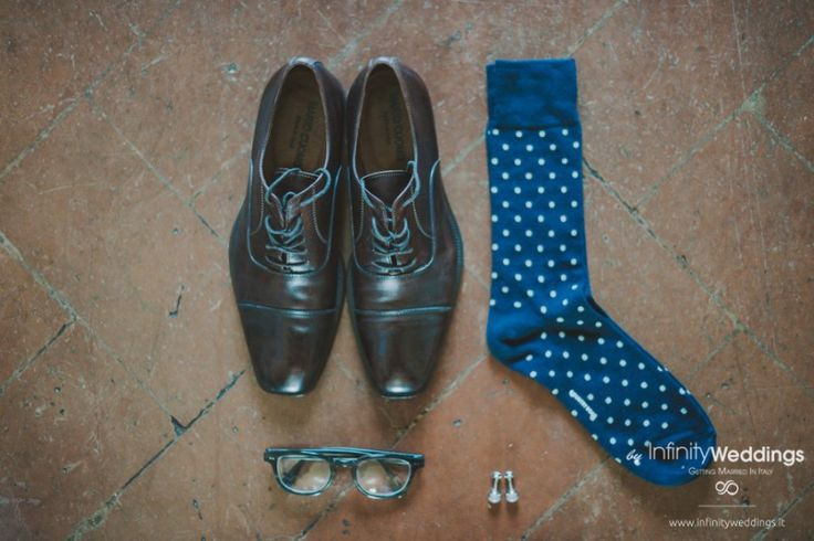 Anita and Luke's amazing wedding in Tuscany: grooms' accessorizes
