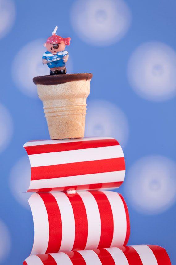 kindergeburtstag-torte-party-piraten-schiff-segel