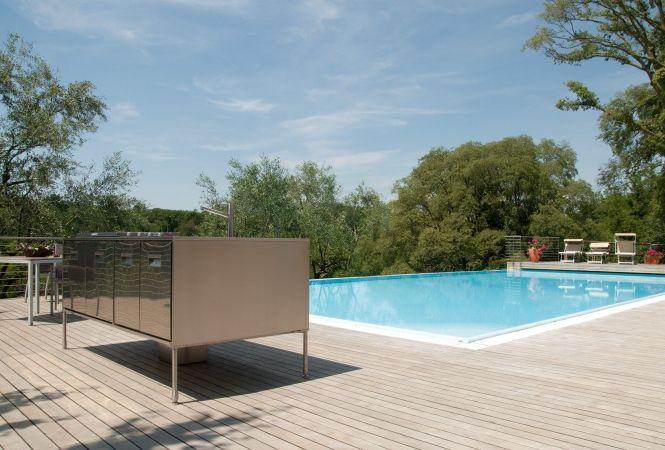 Modernes Pooldeck – Artusi Outdoor Kitchen