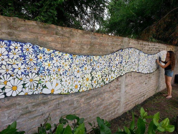 25 best ideas about arte de jard n en mosaico en for Mosaicos para patios precios