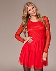 Modeplatsen.se är den bästa sajten för att hitta prisvärda damkläder för billiga priser. Sveriges bästa mode online samlat på en sajt! Sexiga underkläder, Klänningar, Skor mm.skoaffärer, klädaffär, klädbutiker, damkläder, aftonklänningar, Kläder på nätet, klänningar, Kläder